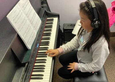 Oakville online learning centre classroom music